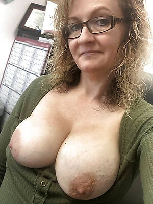 Sexy mature hot photo