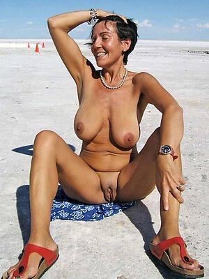 Sexy mature hot photo