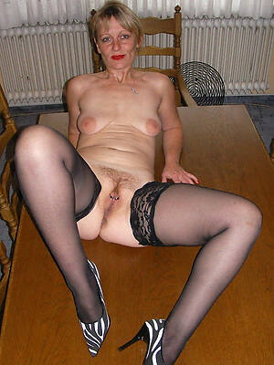 Amateur naked mature photos