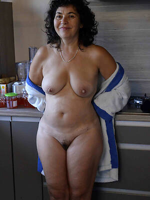 Old women nude pics