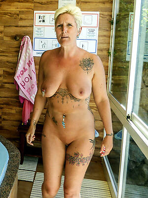 Mature nude pictures