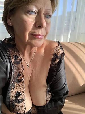 Bilder porn mature Mature Porn