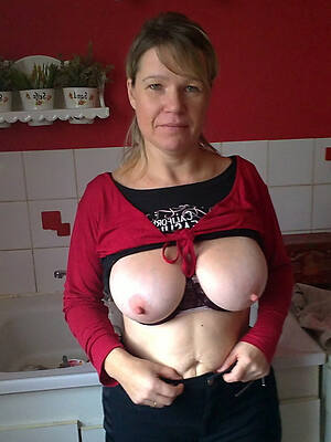 Naked mature galleries