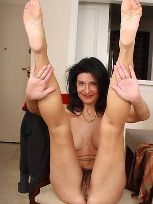 Hot mature mom pics