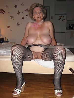 Naked older women pics