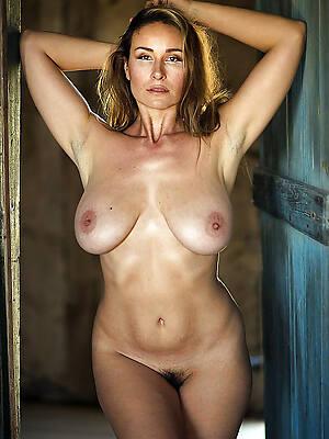 Nice naked mature
