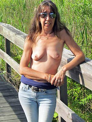 Naked mature pics