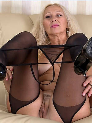 Naked old mature pics