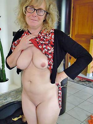 Nude mature picture