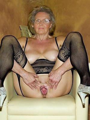 Old Women Pics