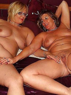 Lesbians nude pics