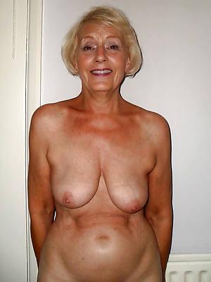 Naked women pics