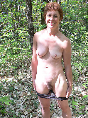 women outdoor nude free pictures