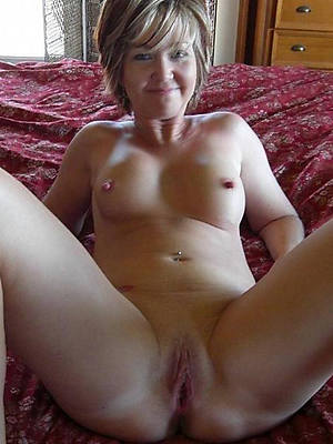 Single women nude free pictures