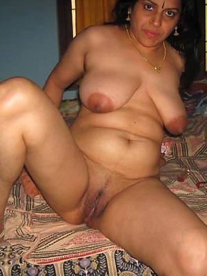 Mature desi nude pics downloads