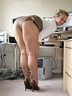 Free women in tights porn downloads