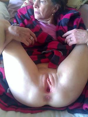 Free mature cunt porn downloads