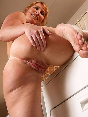 Free mature foot fetish porn pics downloads
