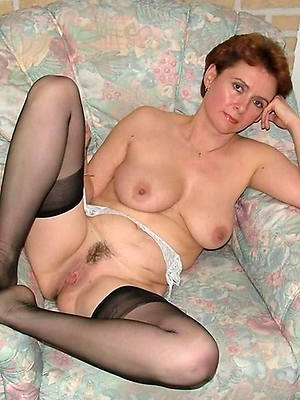 Mature in stockings porn pic