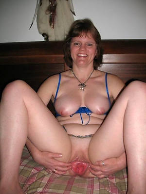 Hot mature porn pictures downloads