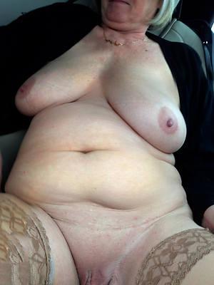 Hot women in nude pics