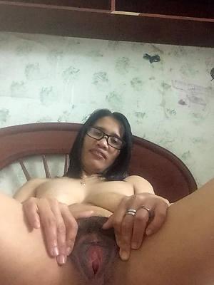 Amateur mature women porn pics