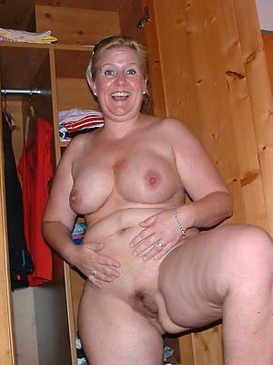 Mature women nude downloads pics free