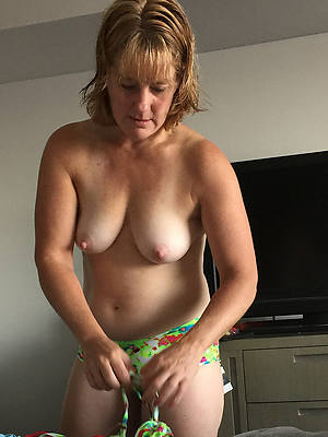 Real mature women porn pic