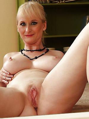 Mature women sex pics