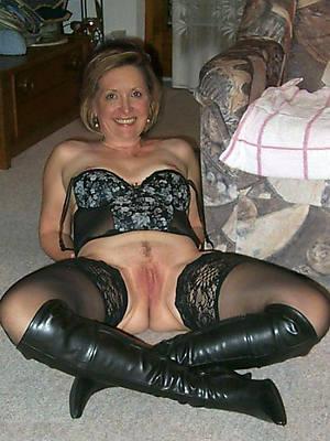 Real mature women nude pics