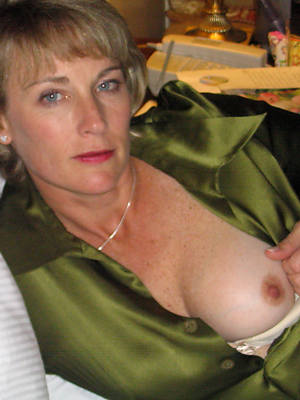 Pictures of naked mature