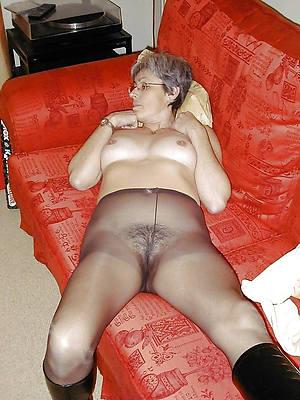 Mature women porn pics