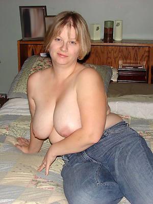 Beauty  mature women pics downloads