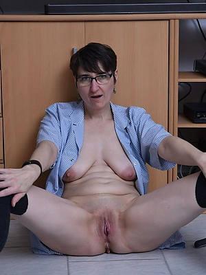Sexy mature women photo