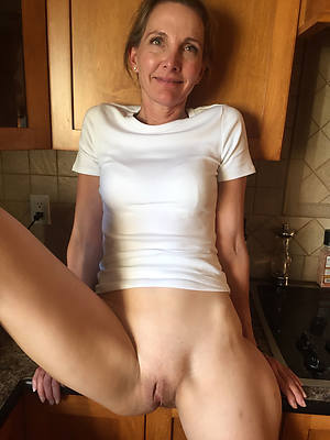 Naked mature porn pics downloads
