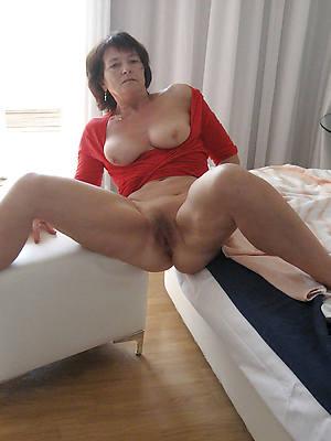 Beautiful mature porn pic