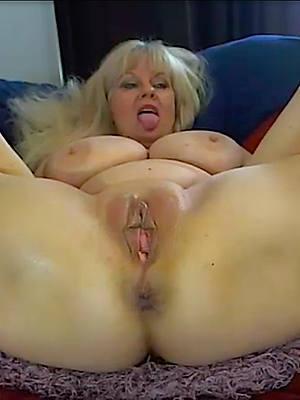 Free mature ladies porn photos