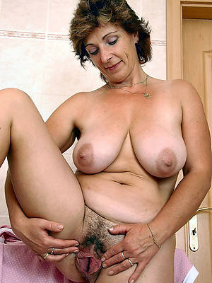 Free mature ladies porn photos