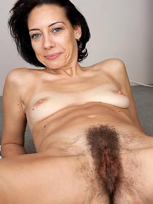 Free maturehairy ass porn pics