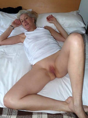Hot mature women downloads pics