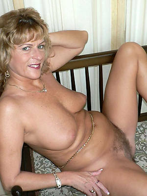 Horny mature porn photos