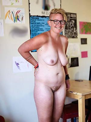 Mature old women porn pics
