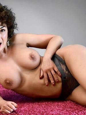 Sexy mature gallery downloads