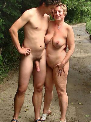 Mature naked hot pics