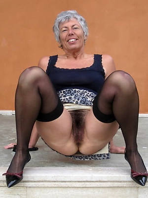 Mature naked hot pics