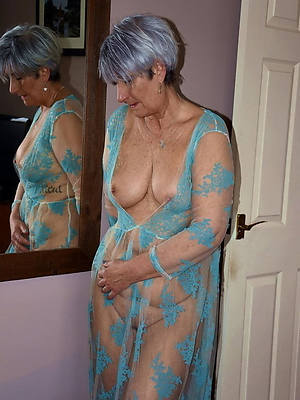 Mature free nude picture