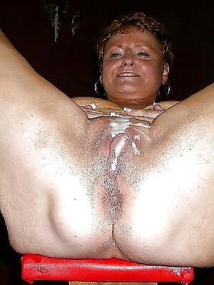 Mature lady nude photos