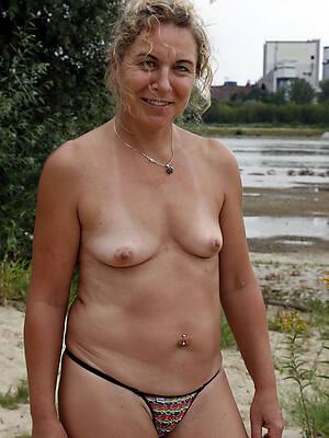 Hot mature women photos