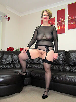 Mature naked free pictures
